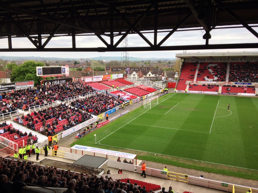 (VIDEO) Bees' promotion train halted at Swindon