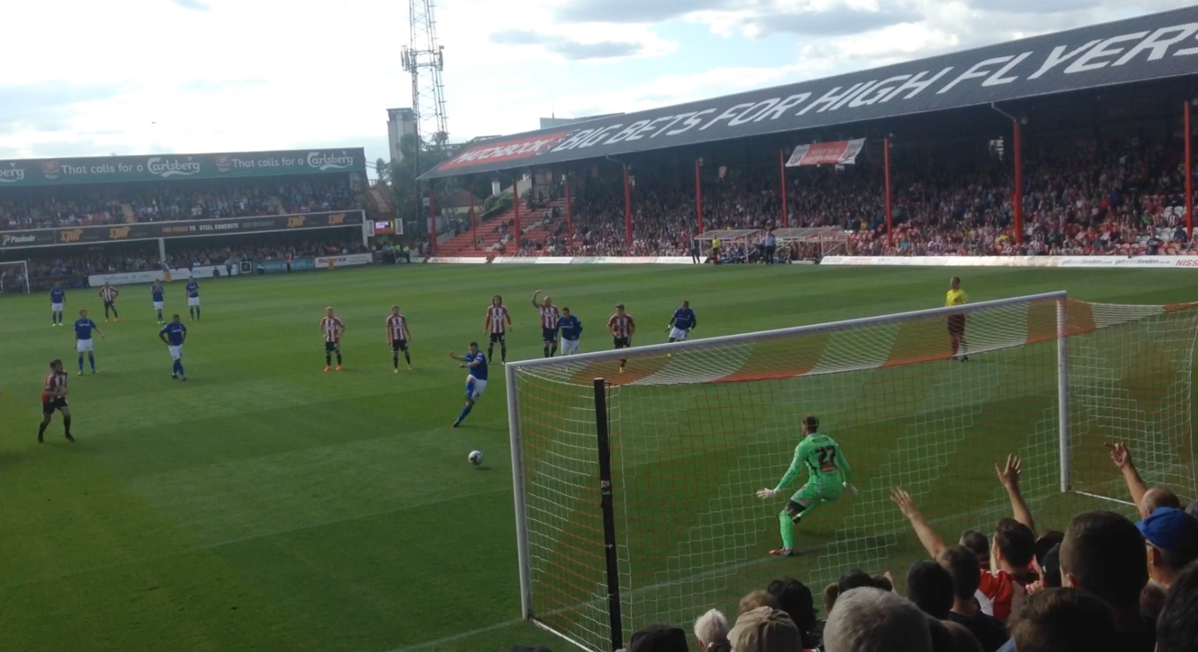 Ballsy Bees Refuse To Lose – Brentford 1 Birmingham City 1 (VIDEO)