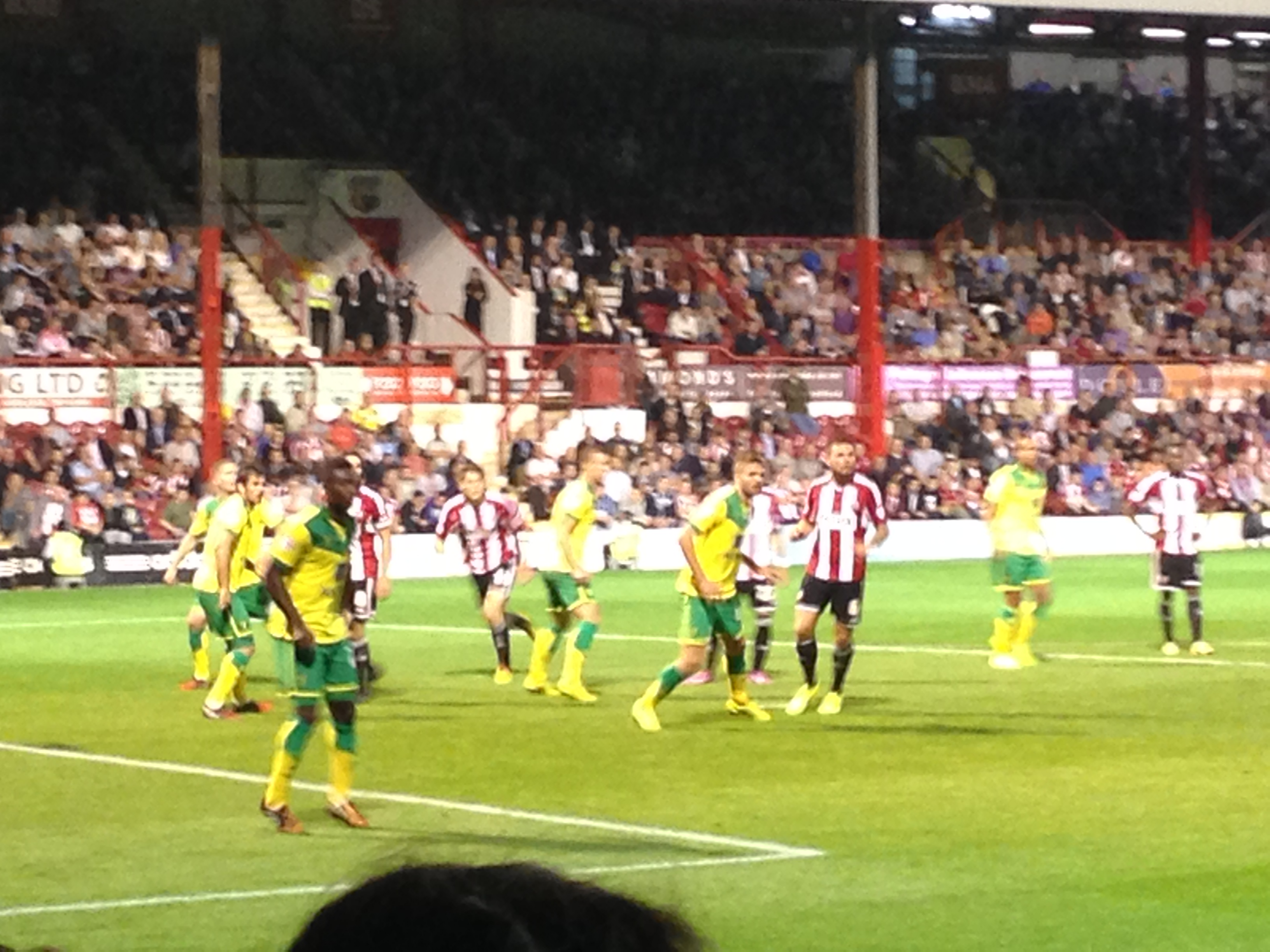 (VIDEO) Chirpy Bees On Song But Pecked To Death By Canaries – Brentford 0 Norwich City 3