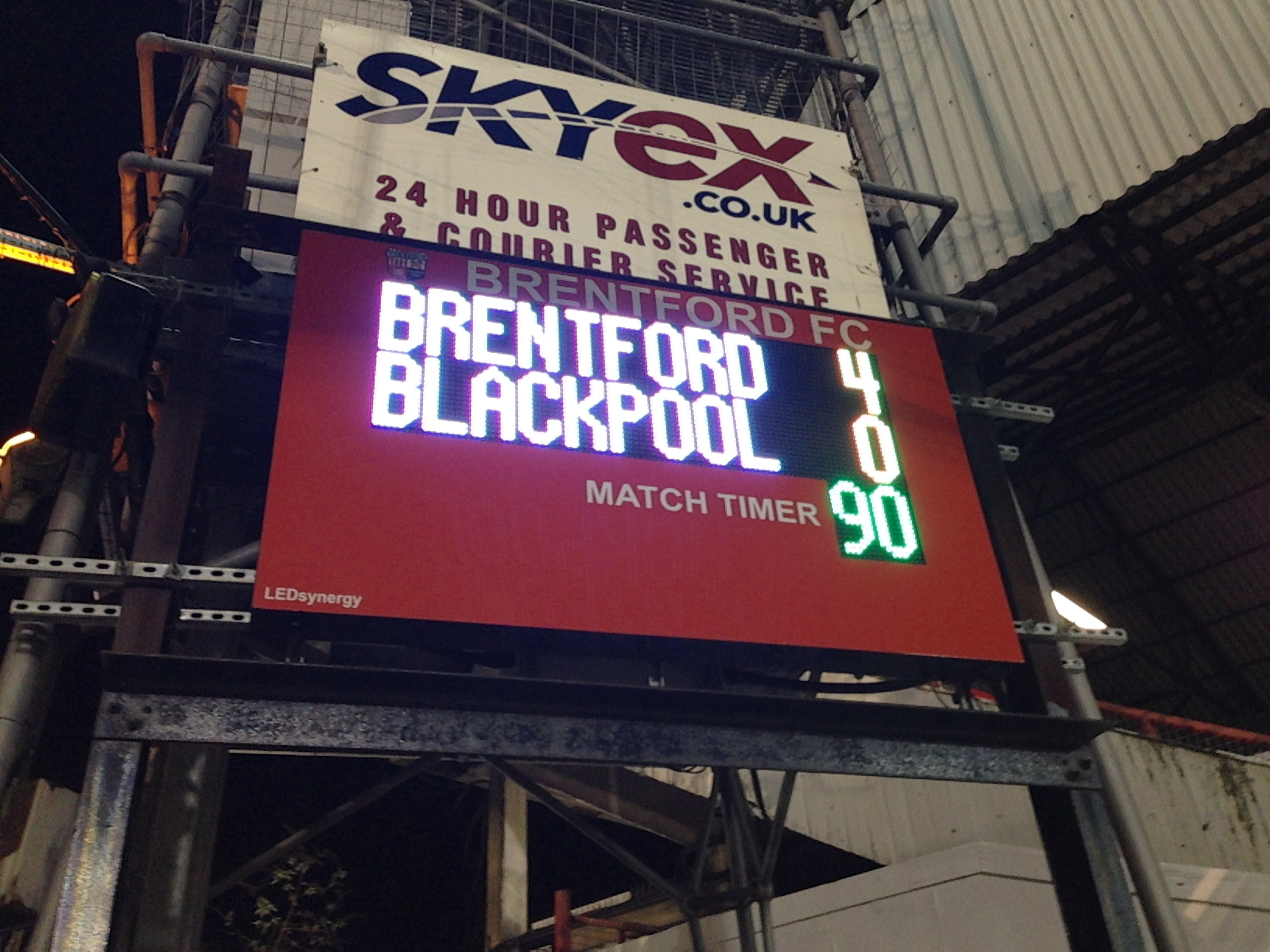 Fifty Shades Of Tangerine: Brentford 4 Blackpool 0 (VIDEO)