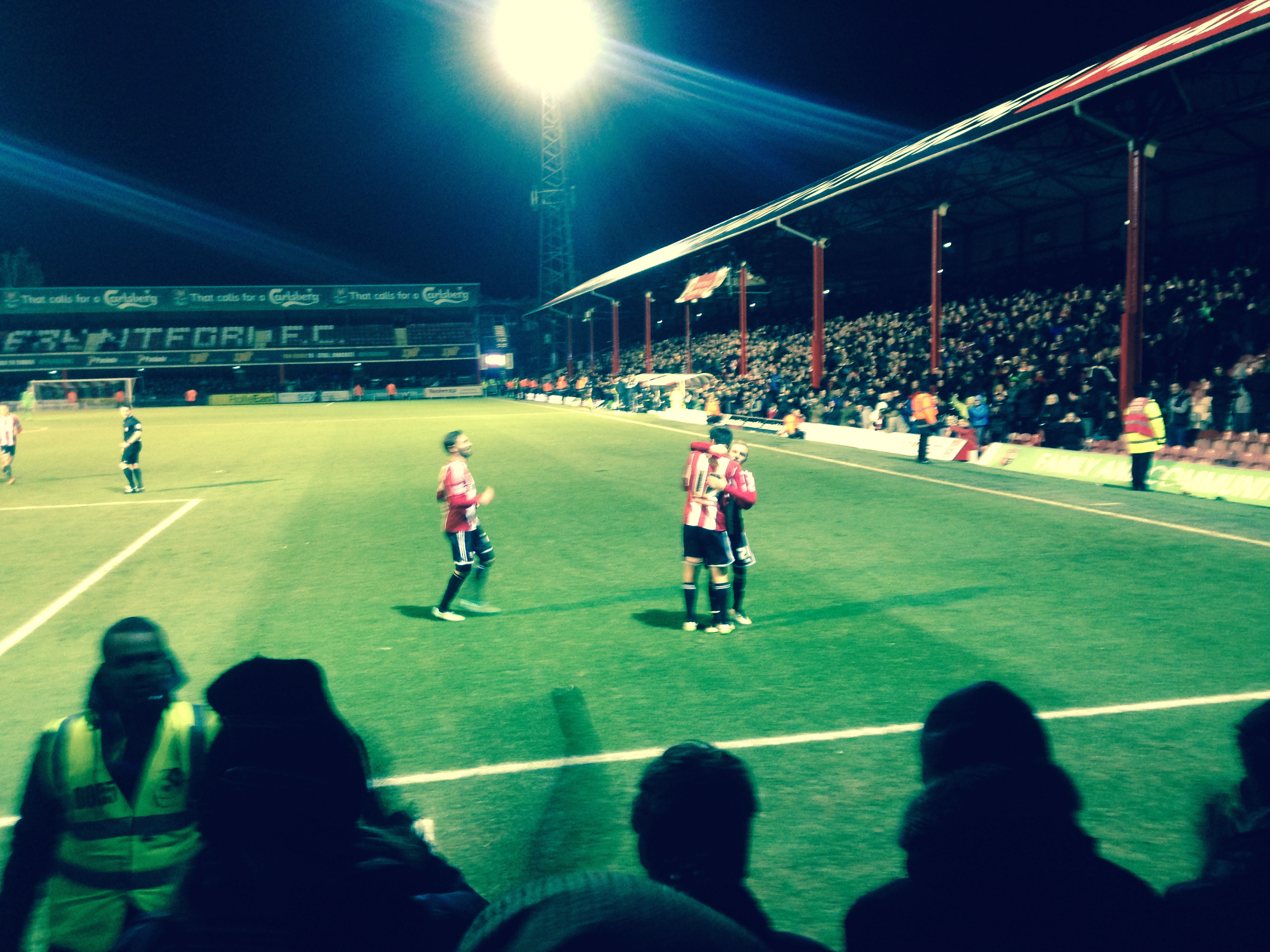 Terriers Muzzled By The Bees: Brentford 4 Huddersfield 1 (VIDEO)