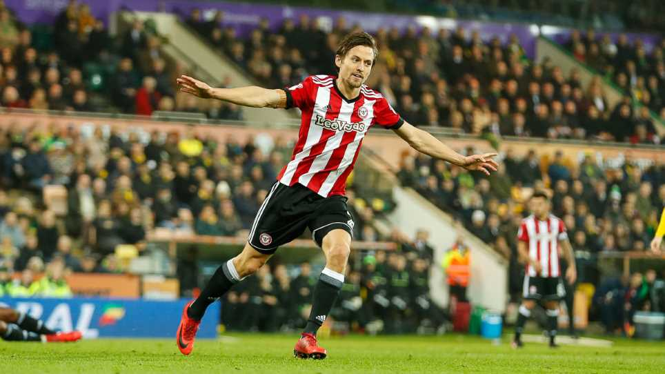 Vote for Lasse Vibe – PFA Championship Player of The Month
